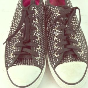 Converse Low Top Black Sequined